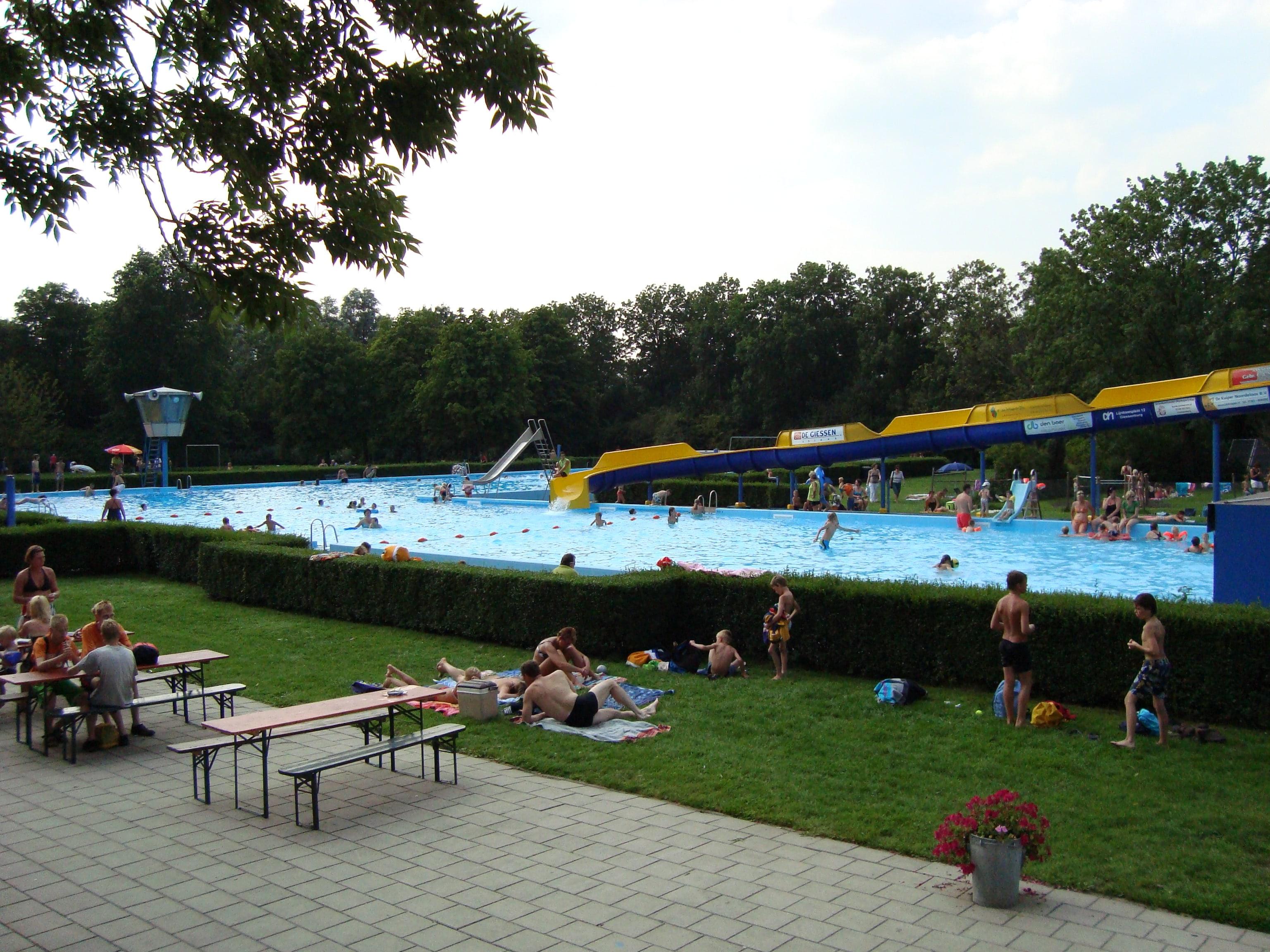 Zwembad De Doetse Kom te Giessenburg